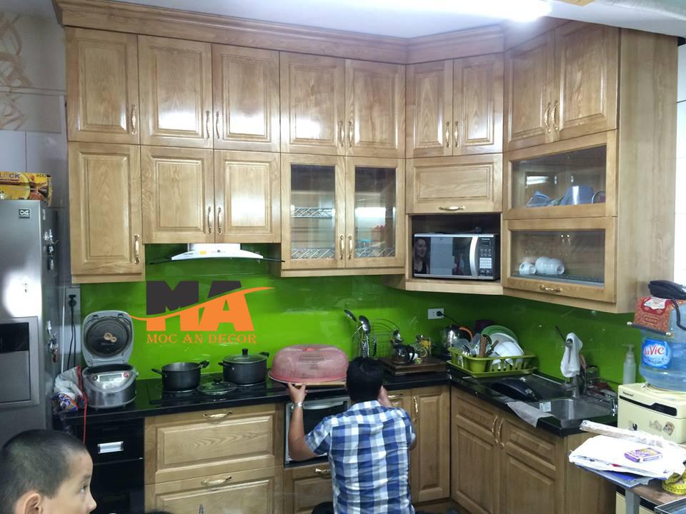 tủ bếp gỗ sồi mỹ chữ L