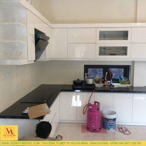Thi công đóng tủ bếp Acrylic ở Dĩ An, Bình Dương