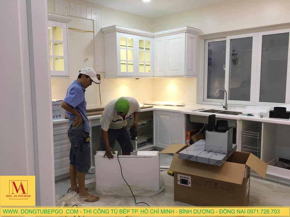 Thi công nội thất gỗ và tủ bếp gỗ tại Phú Mỹ Hưng, Q7.