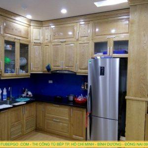 làm tủ bếp gỗ sồi giá rẻ