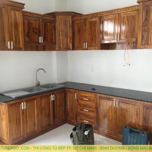 Xưởng đóng tủ bếp gỗ tự nhiên tại bình chánh-TPHCM