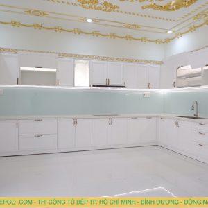 Đóng tủ bếp gỗ tân cổ điển cao cấp MAT 010
