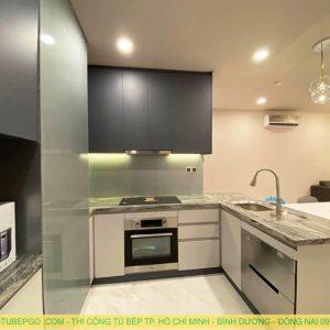Đóng Tủ bếp acrylic có quầy bar tại quận 10 MAA-1001