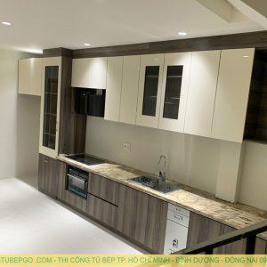 Tủ bếp acrylic cao đụng trần quận 7 MAA-714