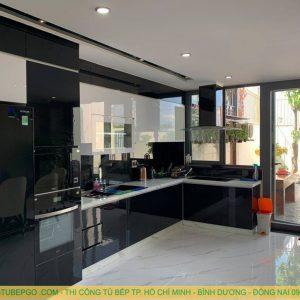 Thi công tủ bếp gỗ acrylic cao cấp tại quận 1